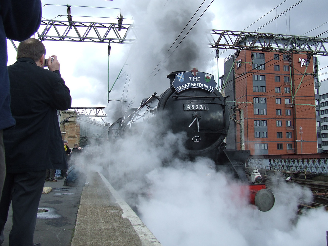 Black 5 45231 <i>The Sherwood Forester</i> at P11 at the head of the Great Britain II, departing on the Inverness leg of the tour