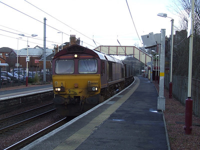 66068 passing through Johnstone with an empty coal train bound for Hunterston