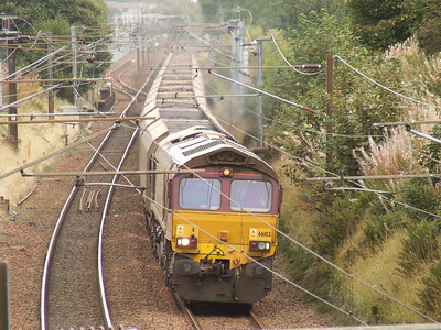 66182 passing through Elderslie with an empty coal train on a working to Hunterston