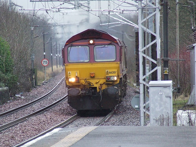 66207 on approach to Paisley Gilmour Street with a coal train for Longannet