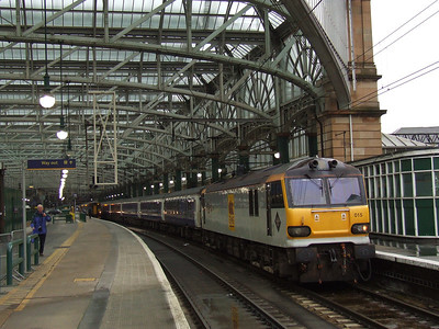 92015 DH Lawrence waiting to depart with the empty Caledonian Sleeper