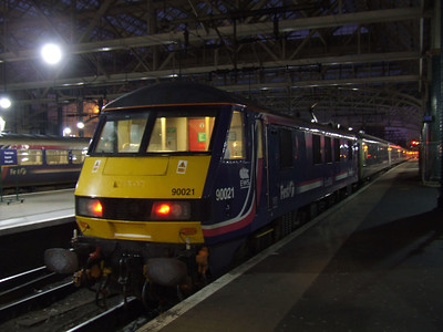 90021 at P9 having arrived with the Glasgow Central portion of the Caledonian Sleeper
