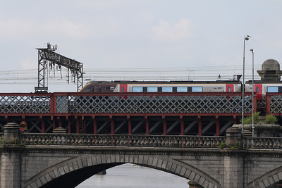 220030 crossing Clyde Viaduct as it departs Glasgow Central on a CrossCountry service