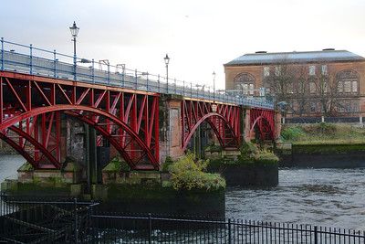 The Tidal Weir at Glasgow Green, used to maintain a fixed water level upriver from Glasgow Green and to help protect Albert Bridge from the effects of scouring. The current version has been in place since 1946.